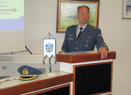 Lentosotakoulun johtaja eversti Jukka Ahlberg